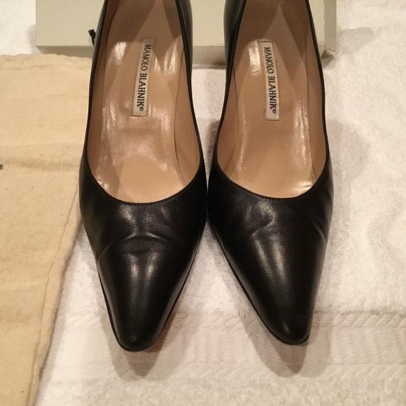 325ecbb3468b8 Vintage Manolo Blahnik Leather Pumps Heels